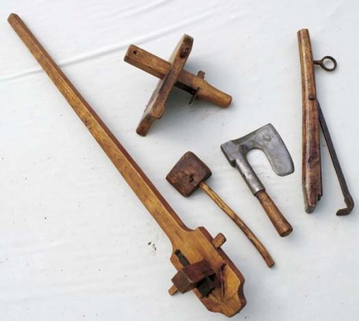 [Atelier artisanat] Les outils  Outils-de-tonnelier-baille